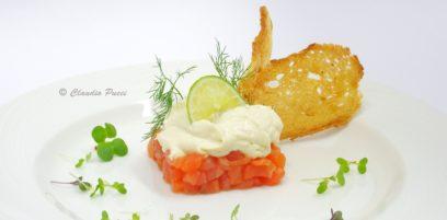 Salmone marinato con spuma al lime